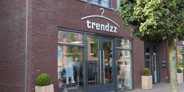 Trendzz vierde op 3 juni jl haar 1 jarig bestaan. Een mooie mijlpaal!